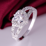 Exquisite Silver Heart-shaped Wedding Zircon Ring