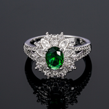 Luxury Exquisite Floral Shaped Zircon Ring