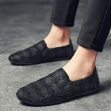 Retro Black Low cut Fur friendly Pleated Leather Shoes
